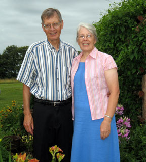 <FONT COLOR=#3366ff><B><i>Paul & Susan Gingerich</i></B></FONT>